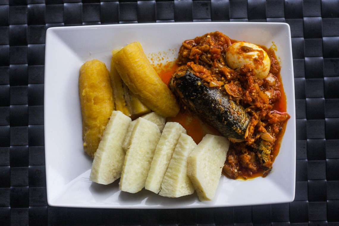 garden egg stew with boiled yam and plantain myweku tastes. Black Bedroom Furniture Sets. Home Design Ideas